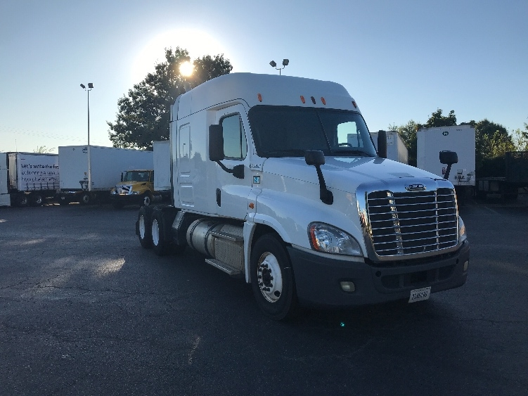 Sleeper Tractor-Heavy Duty Tractors-Freightliner-2014-Cascadia 12564ST-CHARLOTTE-NC-419,559 miles-$37,250
