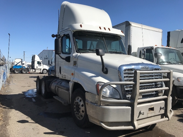 Day Cab Tractor-Heavy Duty Tractors-Freightliner-2014-Cascadia 12564ST-CALGARY-AB-900,313 km-$46,500