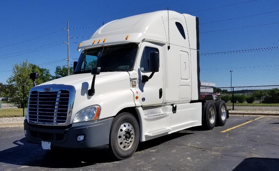 Sleeper Tractor-Heavy Duty Tractors-Freightliner-2014-Cascadia 12564ST-PORTLAND-OR-482,990 miles-$50,500