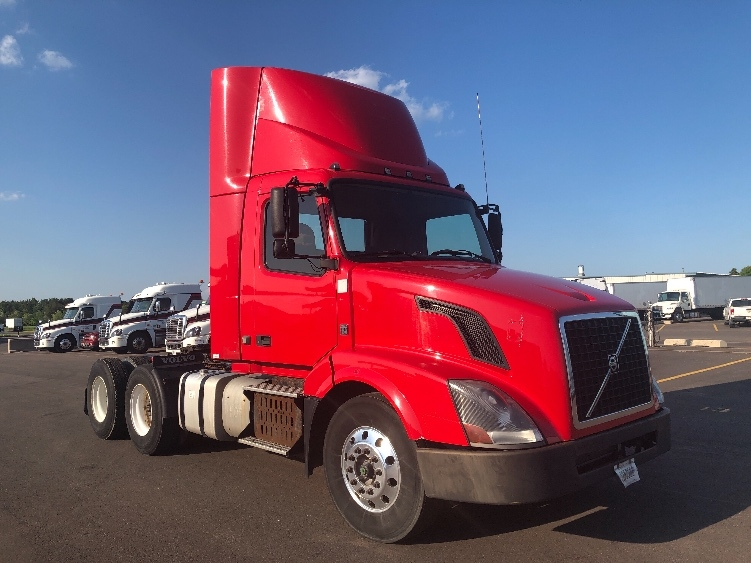 Day Cab Tractor-Heavy Duty Tractors-Volvo-2014-VNL64T300-ROTHSCHILD-WI-424,759 miles-$42,500