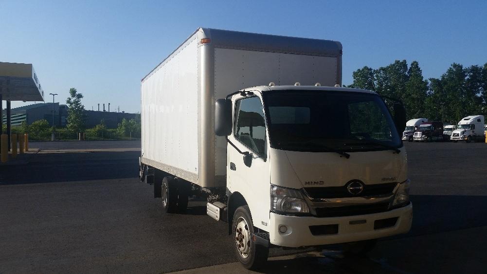 Medium Duty Box Truck-Light and Medium Duty Trucks-Hino-2013-195-STE-FOY-PQ-146,236 km-$39,250