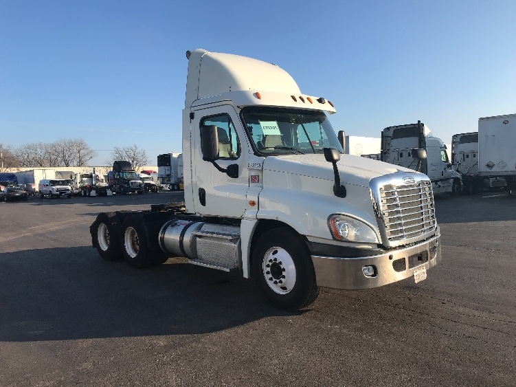 Day Cab Tractor-Heavy Duty Tractors-Freightliner-2014-Cascadia 12564ST-SOUTH HOLLAND-IL-344,696 miles-$51,750