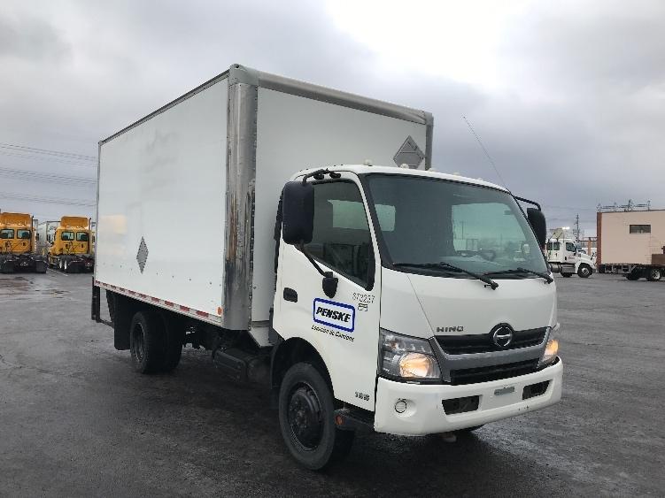 Medium Duty Box Truck-Light and Medium Duty Trucks-Hino-2013-195-ETOBICOKE-ON-176,228 km-$30,500