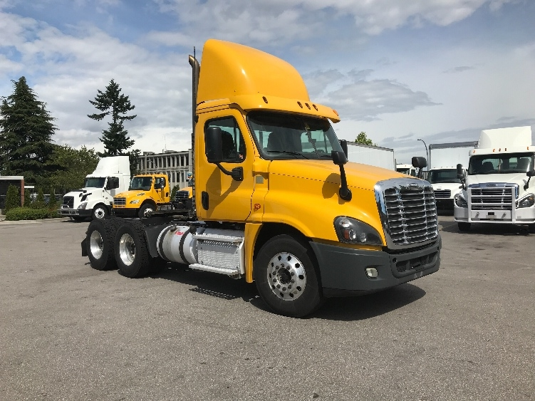 Day Cab Tractor-Heavy Duty Tractors-Freightliner-2014-Cascadia 12564ST-DELTA-BC-321,685 km-$58,250