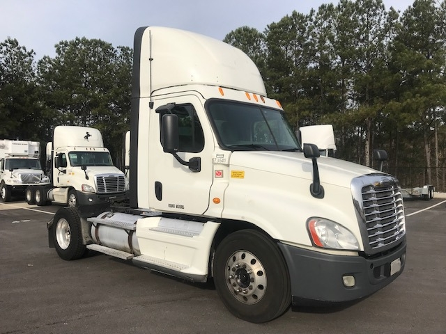 Day Cab Tractor-Heavy Duty Tractors-Freightliner-2014-Cascadia 12542ST-LITHIA SPRINGS-GA-715,826 miles-$30,500