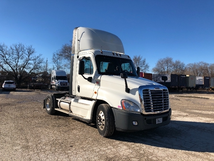 Day Cab Tractor-Heavy Duty Tractors-Freightliner-2014-Cascadia 12542ST-VALPARAISO-IN-395,069 miles-$44,500