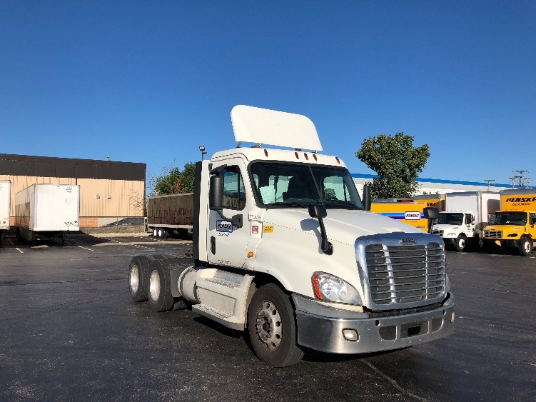 Day Cab Tractor-Heavy Duty Tractors-Freightliner-2014-Cascadia 12564ST-ELK GROVE VILLAGE-IL-506,943 miles-$27,250