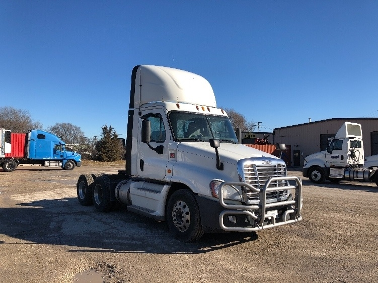 Day Cab Tractor-Heavy Duty Tractors-Freightliner-2014-Cascadia 12564ST-CHANNAHON-IL-610,132 miles-$26,750