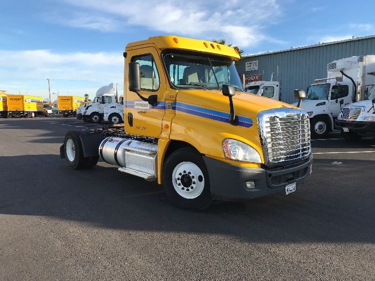 Day Cab Tractor-Heavy Duty Tractors-Freightliner-2014-Cascadia 12542ST-WEST SACRAMENTO-CA-225,017 miles-$49,250