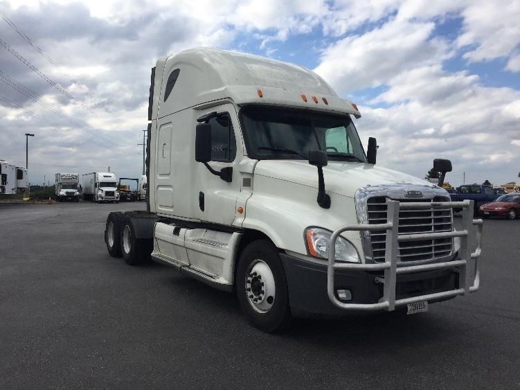 Sleeper Tractor-Heavy Duty Tractors-Freightliner-2014-Cascadia 12564ST-AURORA-CO-635,950 miles-$45,000