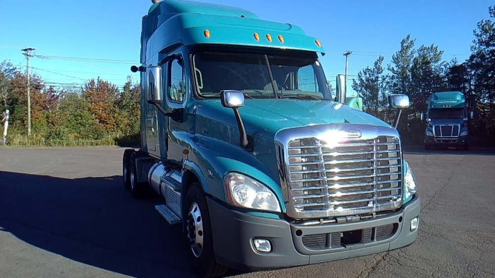 Sleeper Tractor-Heavy Duty Tractors-Freightliner-2014-Cascadia 12564ST-MONCTON-NB-677,289 km-$60,750