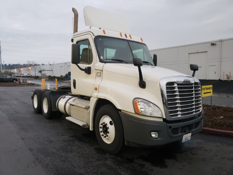 Day Cab Tractor-Heavy Duty Tractors-Freightliner-2014-Cascadia 12564ST-KENT-WA-350,685 miles-$57,250