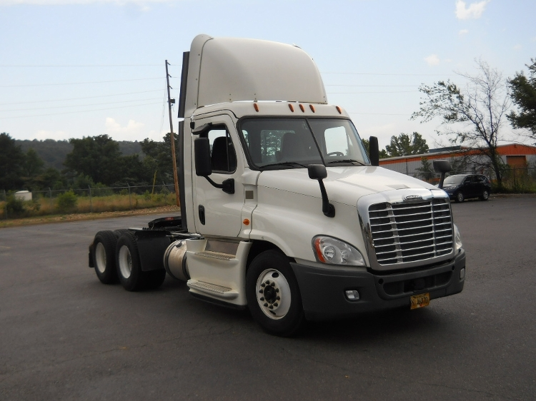 Day Cab Tractor-Heavy Duty Tractors-Freightliner-2014-Cascadia 12564ST-HOT SPRINGS-AR-299,403 miles-$61,000