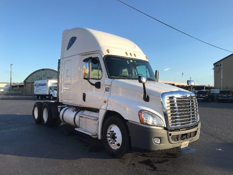 Sleeper Tractor-Heavy Duty Tractors-Freightliner-2014-Cascadia 12564ST-TACOMA-WA-413,025 miles-$48,750