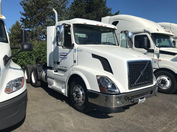 Day Cab Tractor-Heavy Duty Tractors-Volvo-2014-VNL64T300-COBURG-OR-280,279 miles-$51,250