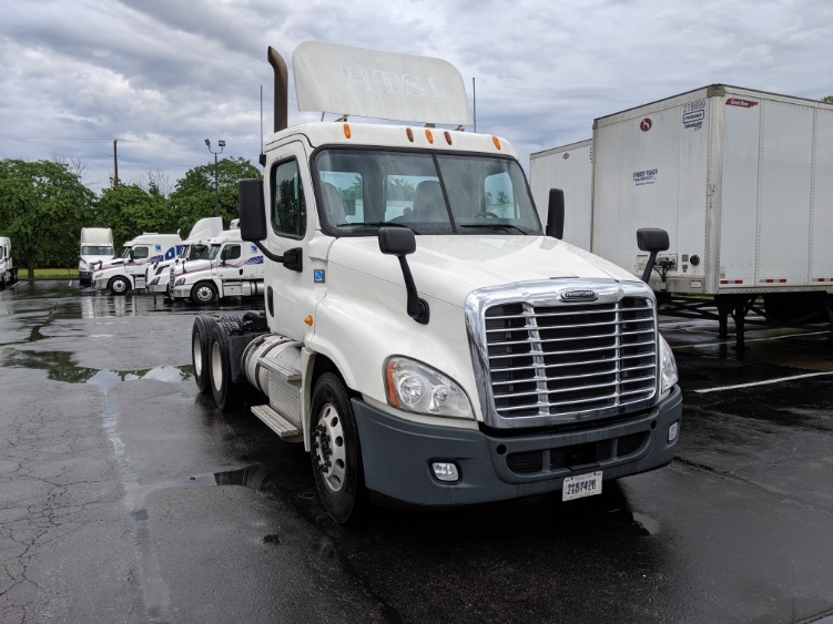 Day Cab Tractor-Heavy Duty Tractors-Freightliner-2014-Cascadia 12564ST-LOUISVILLE-KY-484,036 miles-$37,750