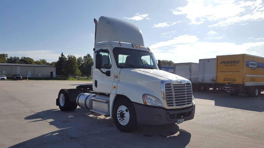 Day Cab Tractor-Heavy Duty Tractors-Freightliner-2014-Cascadia 12542ST-HARAHAN-LA-453,539 miles-$35,500
