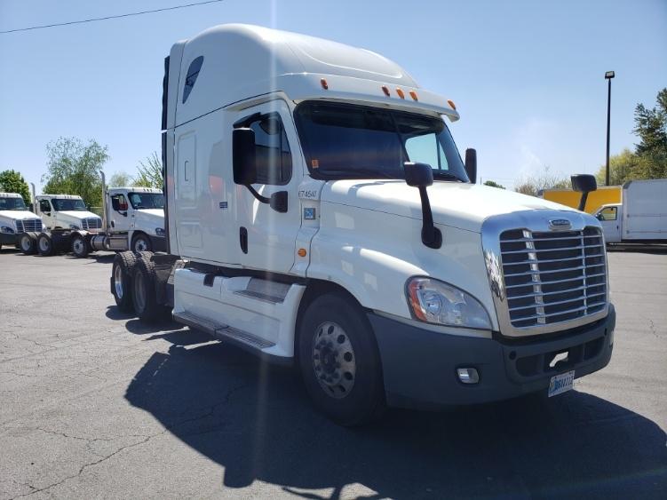 Sleeper Tractor-Heavy Duty Tractors-Freightliner-2014-Cascadia 12564ST-WILSONVILLE-OR-443,470 miles-$48,500
