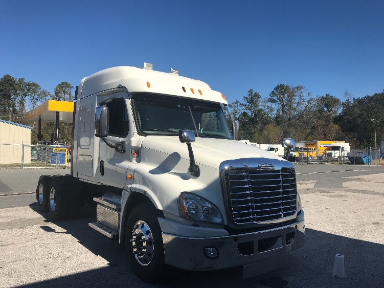 Sleeper Tractor-Heavy Duty Tractors-Freightliner-2014-Cascadia 12564ST-TALLAHASSEE-FL-733,752 miles-$31,250