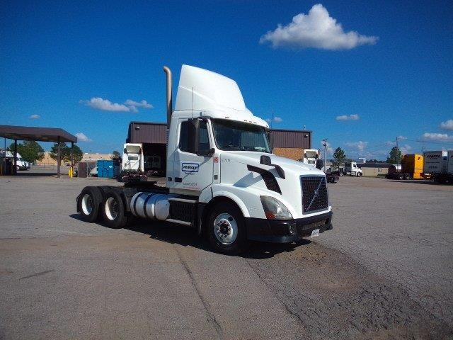 Day Cab Tractor-Heavy Duty Tractors-Volvo-2014-VNL64T300-FORT SMITH-AR-280,393 miles-$58,750
