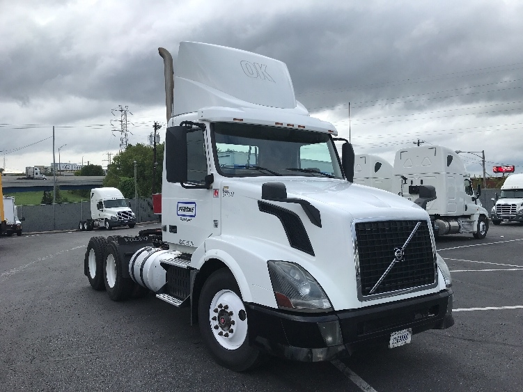 Day Cab Tractor-Heavy Duty Tractors-Volvo-2014-VNL64T300-FORT SMITH-AR-419,356 miles-$52,750