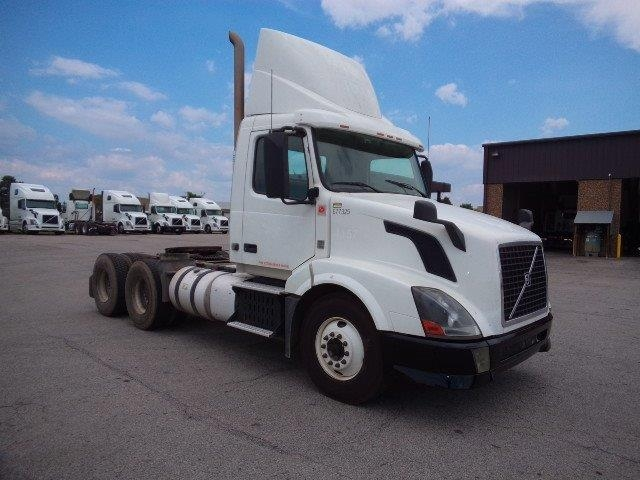 Day Cab Tractor-Heavy Duty Tractors-Volvo-2014-VNL64T300-FORT SMITH-AR-538,310 miles-$50,750