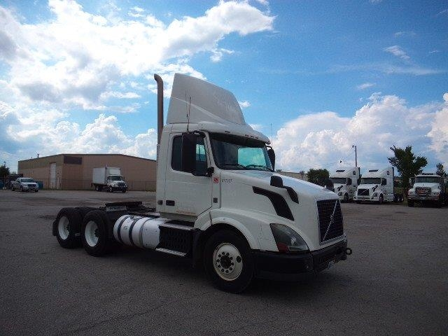Day Cab Tractor-Heavy Duty Tractors-Volvo-2014-VNL64T300-FORT SMITH-AR-670,162 miles-$38,500