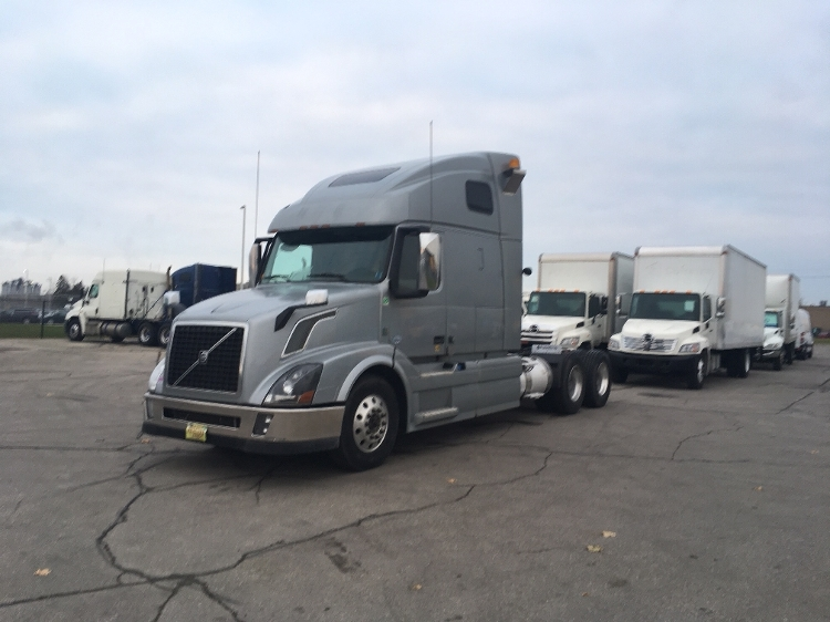 Sleeper Tractor-Heavy Duty Tractors-Volvo-2014-VNL64T670-MISSISSAUGA-ON-653,496 km-$57,250