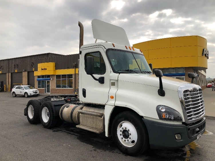 Day Cab Tractor-Heavy Duty Tractors-Freightliner-2014-Cascadia 12564ST-KANSAS CITY-MO-245,764 miles-$57,000