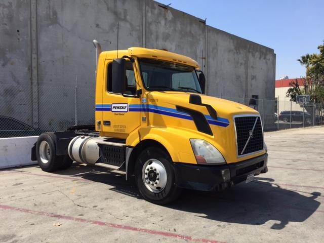 Day Cab Tractor-Heavy Duty Tractors-Volvo-2014-VNL42300-LOS ANGELES-CA-258,780 miles-$43,500