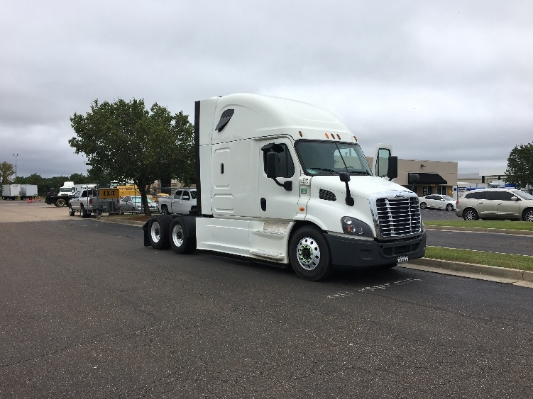 Sleeper Tractor-Heavy Duty Tractors-Freightliner-2014-Cascadia 11364ST-RICHLAND-MS-552,565 miles-$47,750