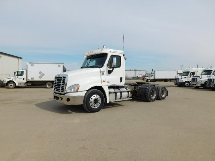 Day Cab Tractor-Heavy Duty Tractors-Freightliner-2014-Cascadia 12564ST-SASKATOON-SK-861,433 km-$62,500