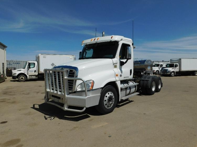 Day Cab Tractor-Heavy Duty Tractors-Freightliner-2014-Cascadia 12564ST-SASKATOON-SK-793,573 km-$68,500