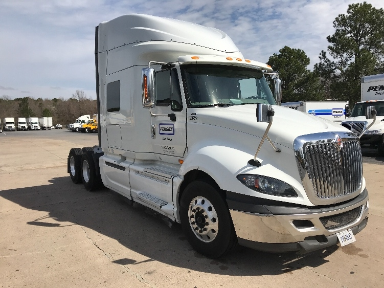 Sleeper Tractor-Heavy Duty Tractors-International-2014-ProStar-LOWELL-AR-569,257 miles-$31,000