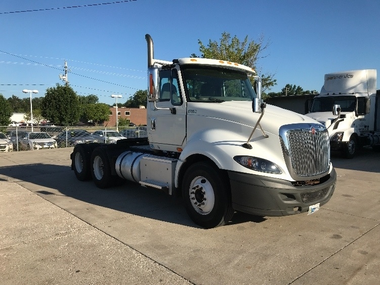 Day Cab Tractor-Heavy Duty Tractors-International-2014-ProStar-DES MOINES-IA-301,203 miles-$36,500