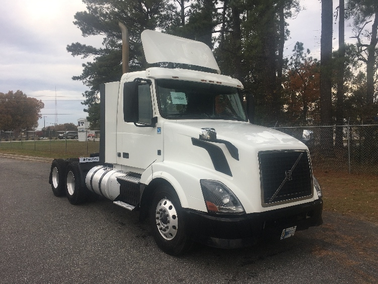 Day Cab Tractor-Heavy Duty Tractors-Volvo-2014-VNL64T300-SPARTANBURG-SC-534,195 miles-$31,000