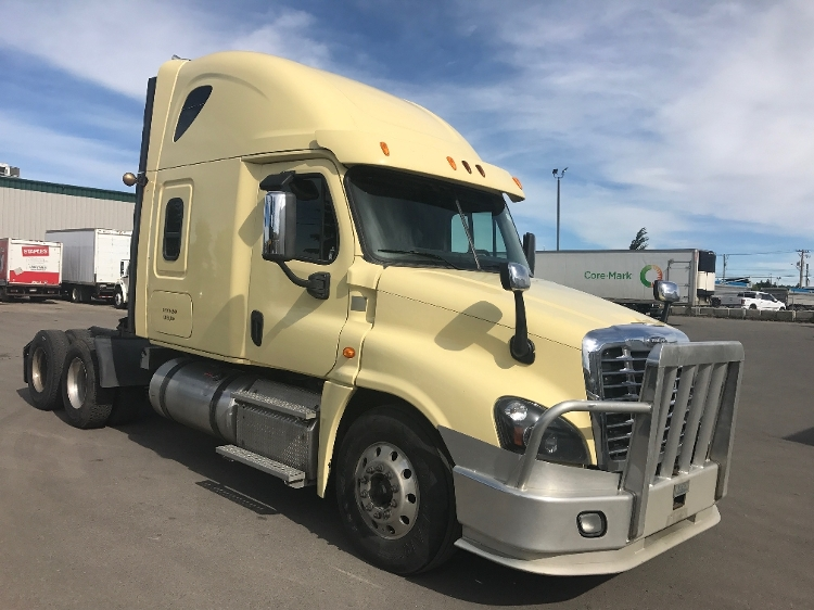 Sleeper Tractor-Heavy Duty Tractors-Freightliner-2014-Cascadia 12564ST-CALGARY-AB-728,158 km-$66,250