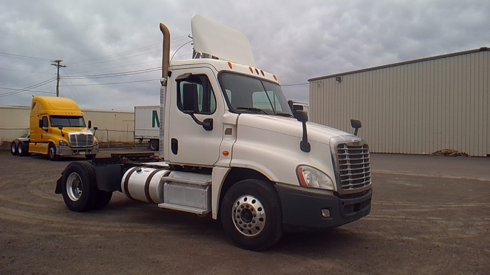 Day Cab Tractor-Heavy Duty Tractors-Freightliner-2014-Cascadia 12542ST-MONCTON-NB-286,261 km-$48,500