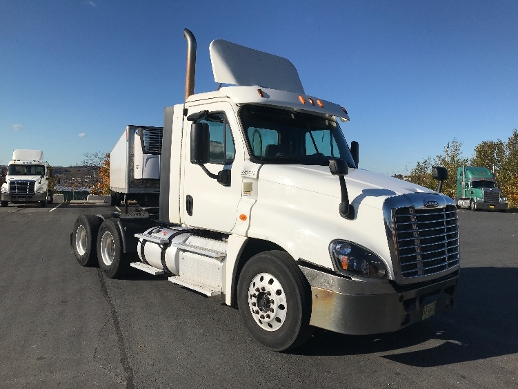 Day Cab Tractor-Heavy Duty Tractors-Freightliner-2014-Cascadia 12564ST-DARTMOUTH-NS-739,088 km-$43,250