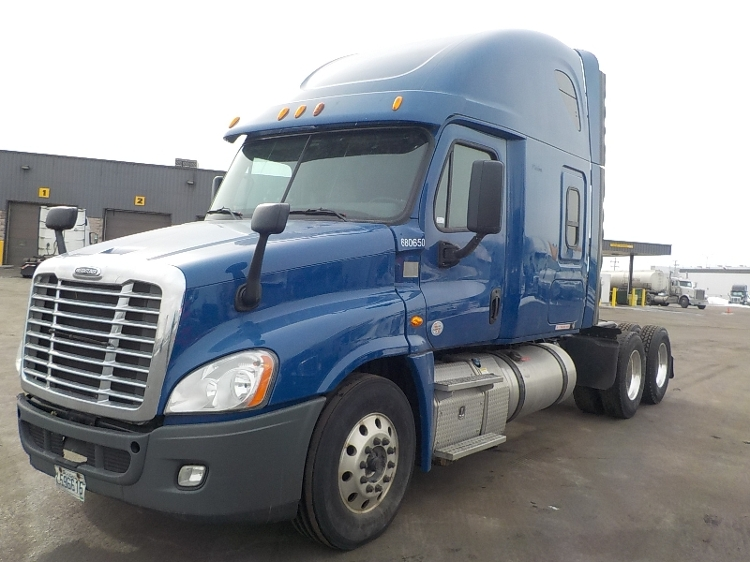 Sleeper Tractor-Heavy Duty Tractors-Freightliner-2014-Cascadia 12564ST-BOUCHERVILLE-PQ-773,037 km-$53,000