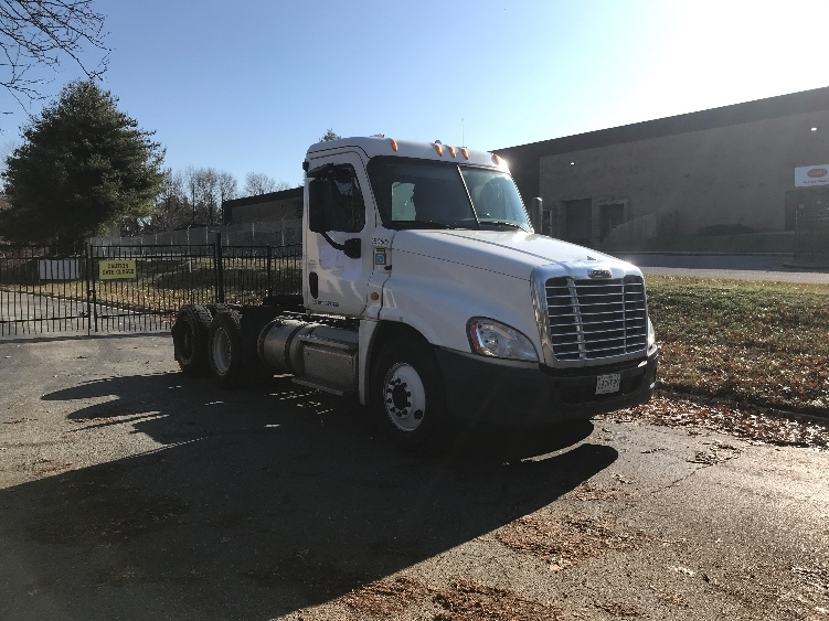 Day Cab Tractor-Heavy Duty Tractors-Freightliner-2014-Cascadia 12564ST-CAPITOL HEIGHTS-MD-167,887 miles-$46,000