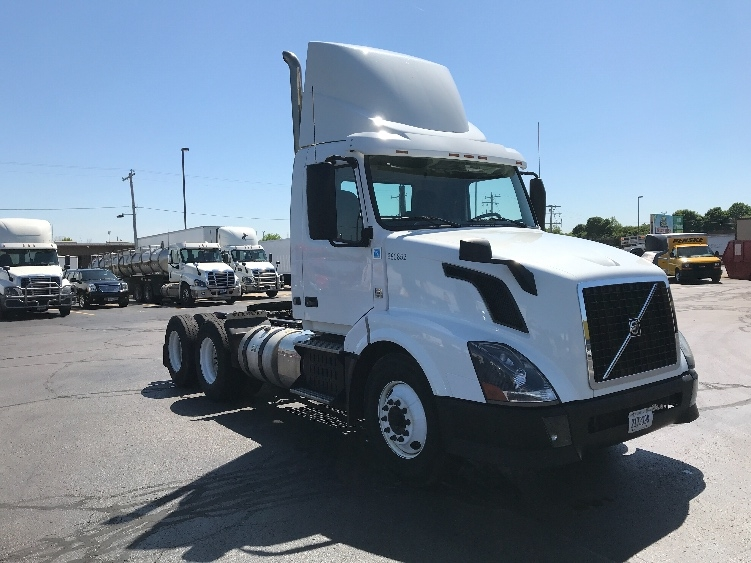 Day Cab Tractor-Heavy Duty Tractors-Volvo-2014-VNL64T300-MILWAUKEE-WI-350,516 miles-$41,000