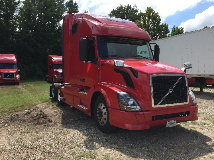 Sleeper Tractor-Heavy Duty Tractors-Volvo-2014-VNL64T670-POPLAR BLUFF-MO-804,213 miles-$37,500