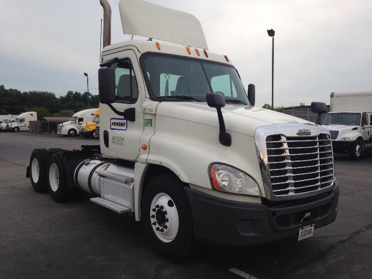 Day Cab Tractor-Heavy Duty Tractors-Freightliner-2014-Cascadia 12564ST-ERLANGER-KY-635,569 miles-$38,000