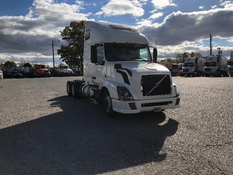 Sleeper Tractor-Heavy Duty Tractors-Volvo-2014-VNL64T670-ORLANDO-FL-475,566 miles-$59,500