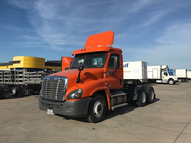 Day Cab Tractor-Heavy Duty Tractors-Freightliner-2014-Cascadia 12564ST-PHOENIX-AZ-394,625 miles-$52,250