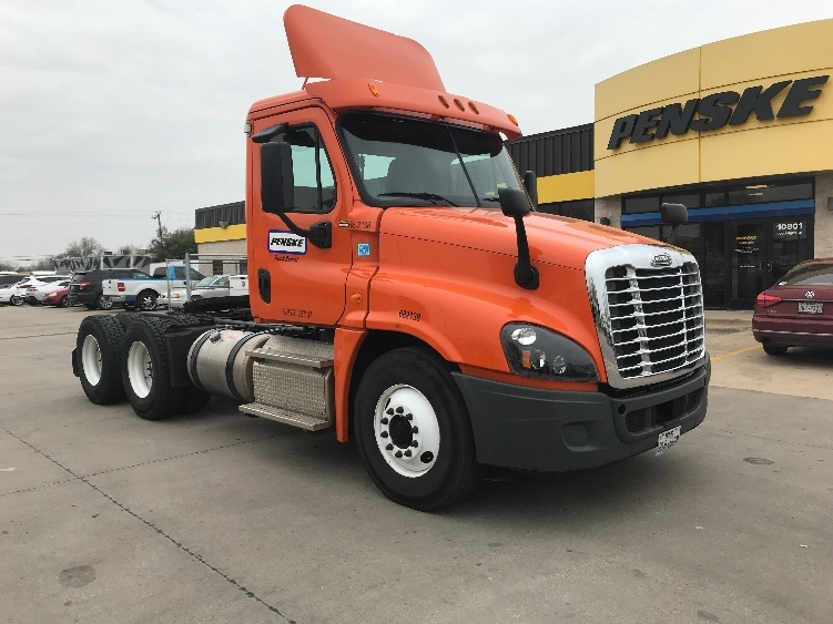 Day Cab Tractor-Heavy Duty Tractors-Freightliner-2014-Cascadia 12564ST-SHREVEPORT-LA-272,525 miles-$50,250