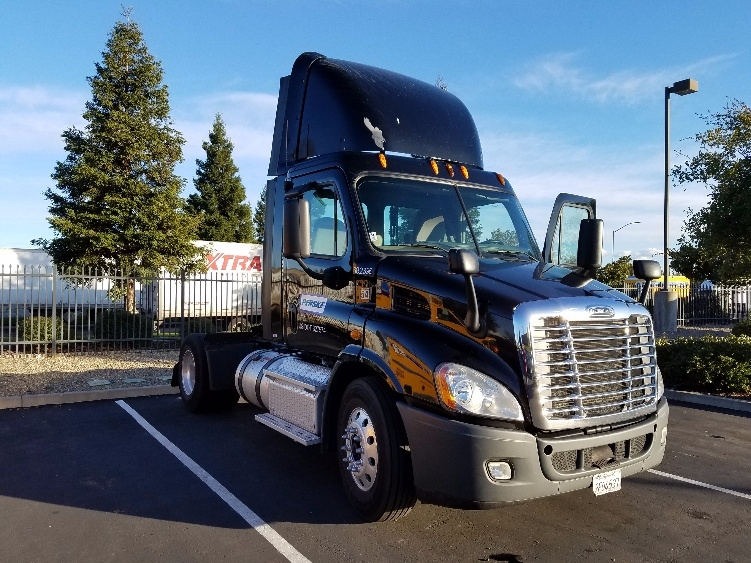 Day Cab Tractor-Heavy Duty Tractors-Freightliner-2014-Cascadia 11342ST-WEST SACRAMENTO-CA-353,629 miles-$53,500