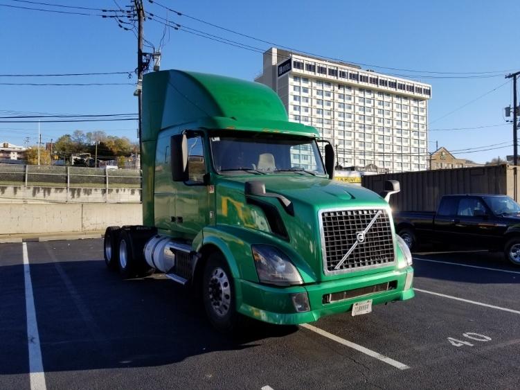 Sleeper Tractor-Heavy Duty Tractors-Volvo-2014-VNL64430-NORTH BERGEN-NJ-249,030 miles-$60,000