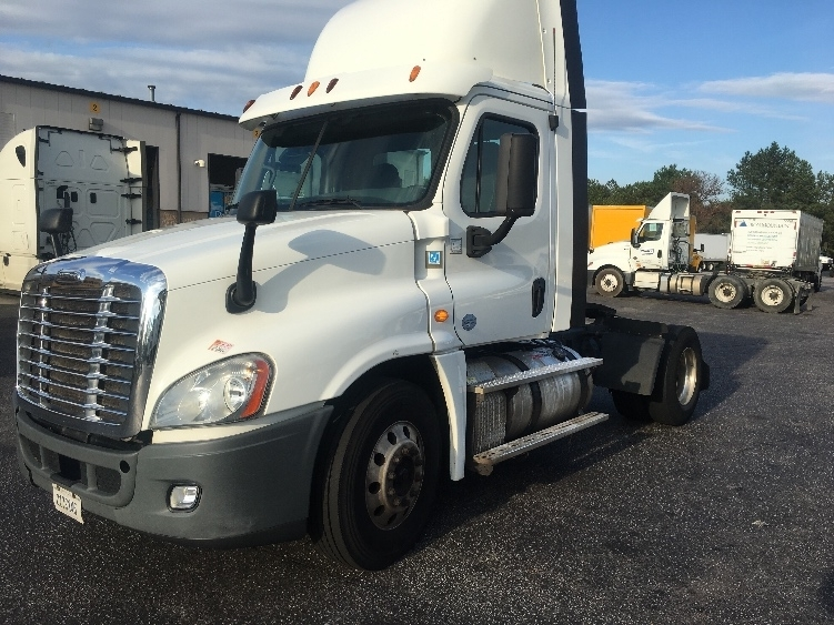Day Cab Tractor-Heavy Duty Tractors-Freightliner-2014-Cascadia 12542ST-WEST COLUMBIA-SC-668,110 miles-$26,750